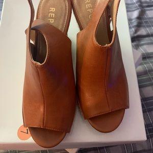 Open toe Wedge sandals
